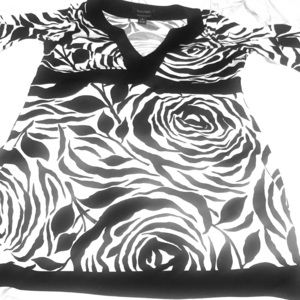 White House Black Market Black Rose Graphic Tunic